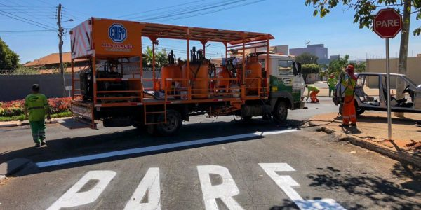 Governo de Goiás entrega sinalização de trânsito de Morrinhos